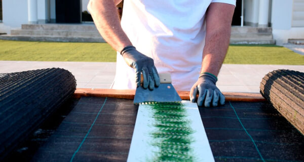 install-artificial-turf-05