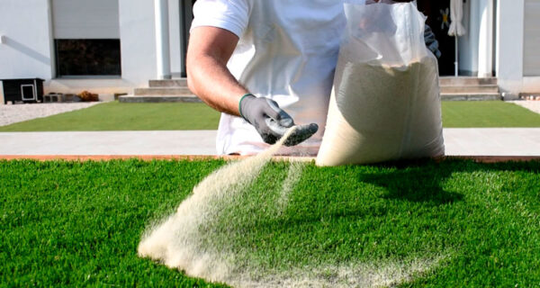install-artificial-turf-06