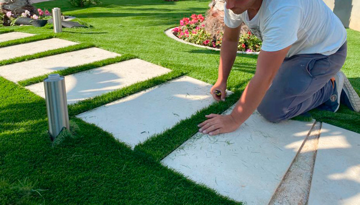 Artificial turf professional work