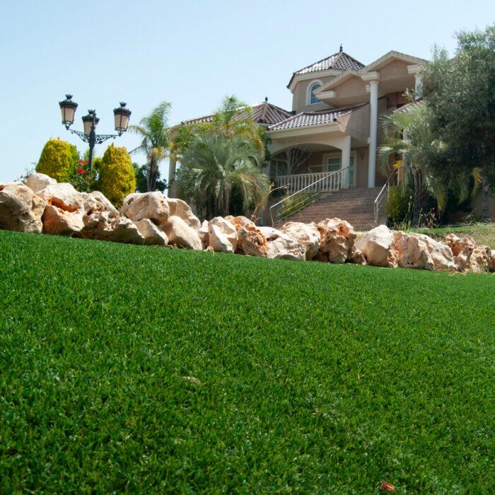 Artificial grass garden in Cantabria