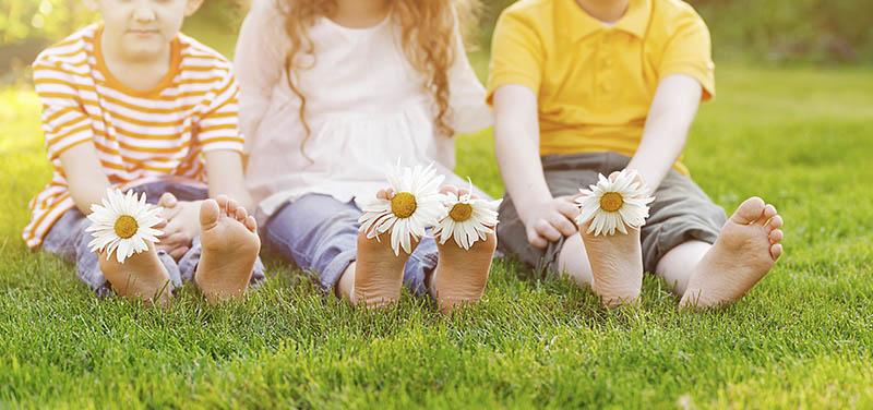 ¿Es seguro el césped artificial para los niños?