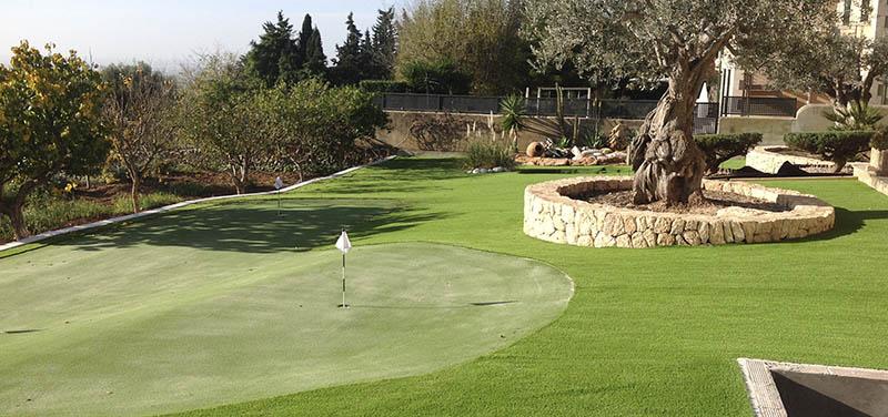Putting green de césped artificial en tu jardín