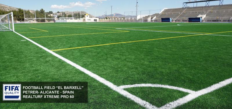 ¿Qué altura debe tener el césped para campos de fútbol?