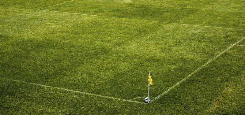 Consejos para la colocación del césped artificial en campos de fútbol