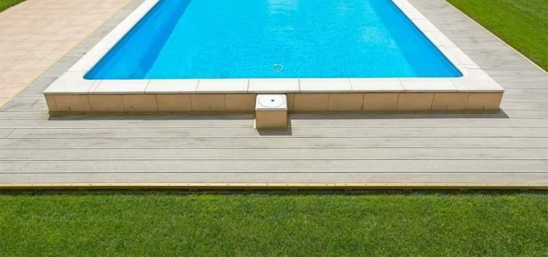 Césped artificial para piscinas municipales y comunitarias