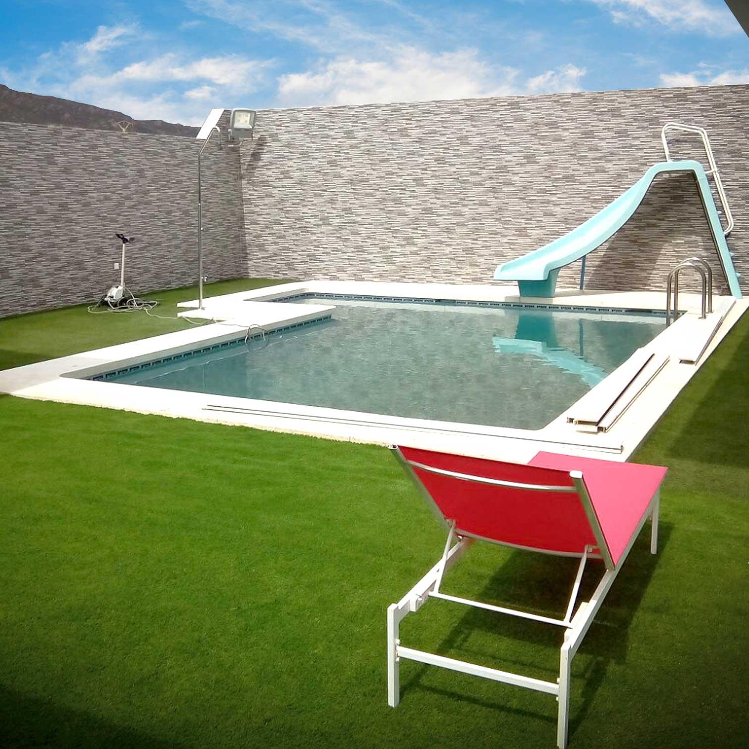 Jard n con piscina y c sped artificial en c diz c sped - Jardin con cesped artificial ...