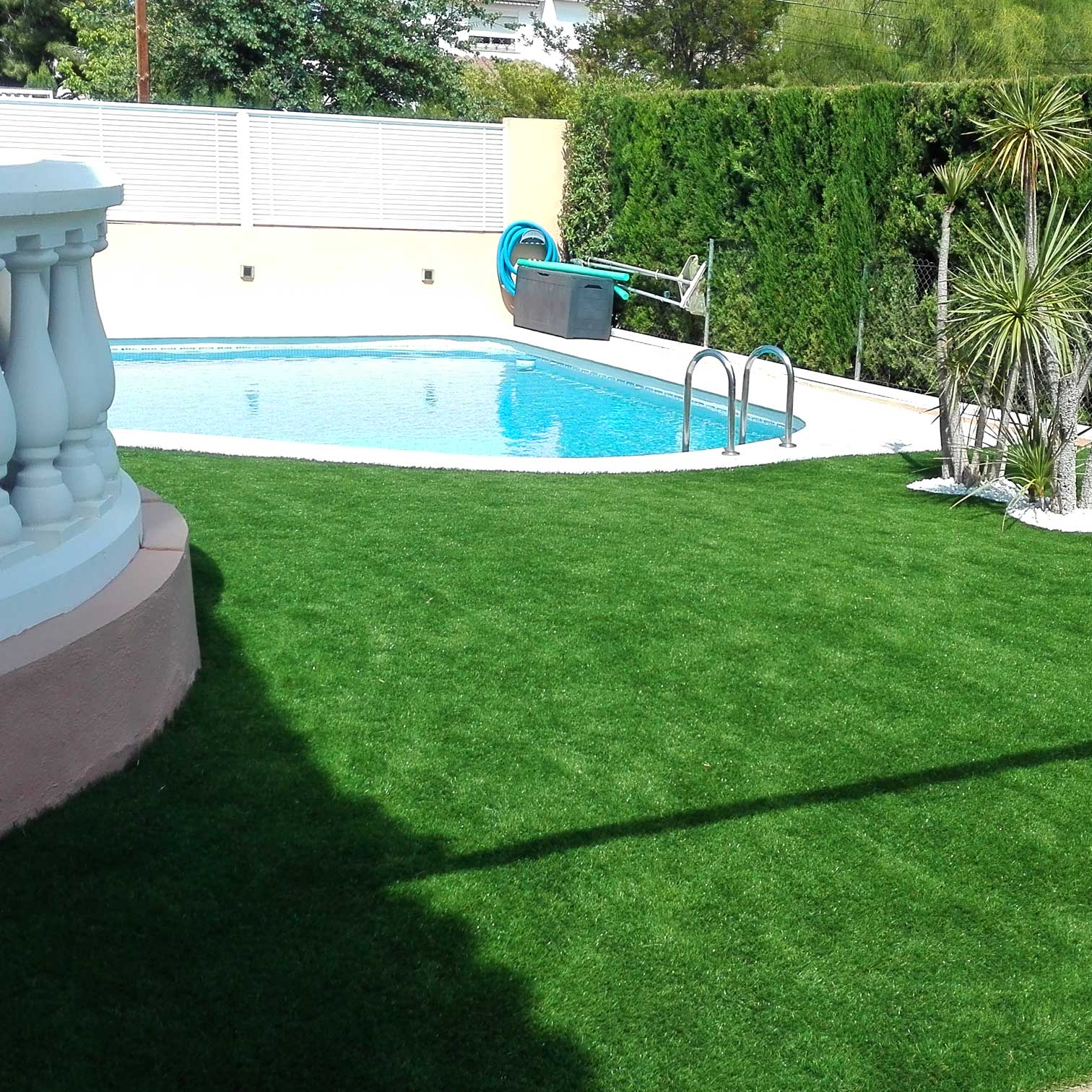 C sped artificial en castell n real turf - Cesped artificial para piscinas ...
