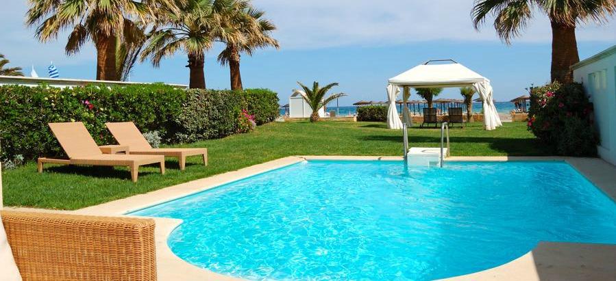 Sabes c mo puedes elegir el mejor cesped artificial para piscinas - Cesped artificial piscina ...