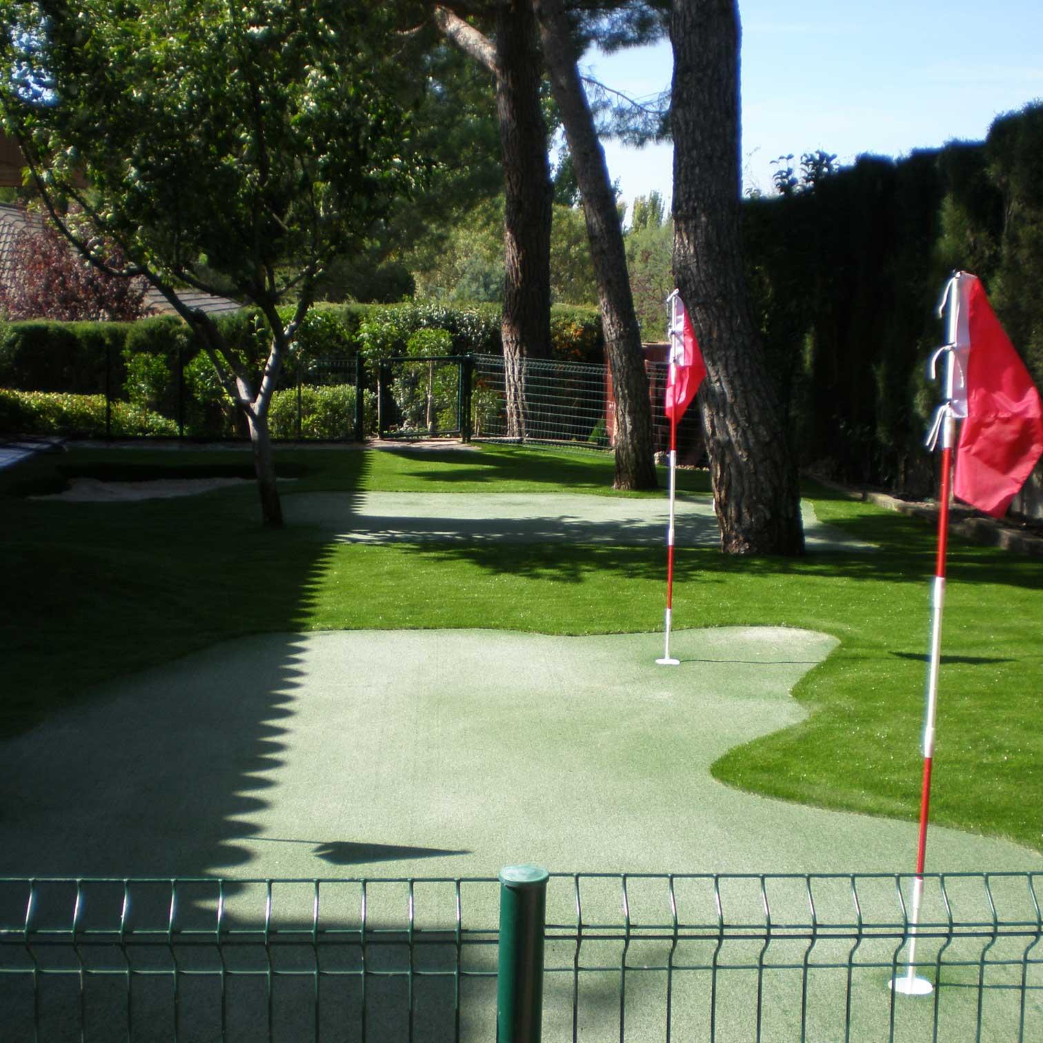 C sped artificial en campo de golf c sped artificial realturf - Cesped artificial zaragoza ...
