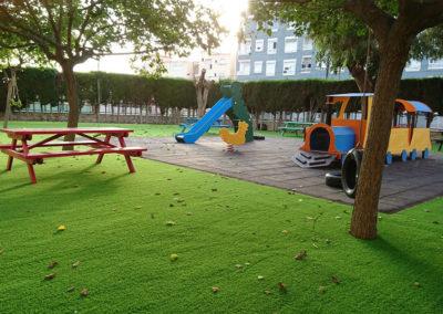 cesped-artificial-parques-infantiles02