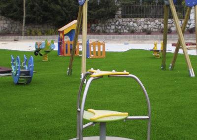cesped-artificial-parques-infantiles07
