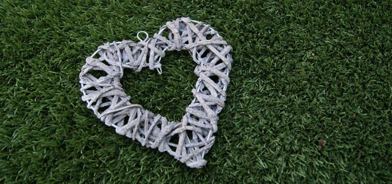 Especial San Valentín con césped artificial