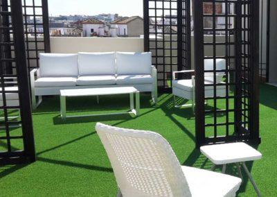 Césped artificial RealTurf en una terraza de Sevilla