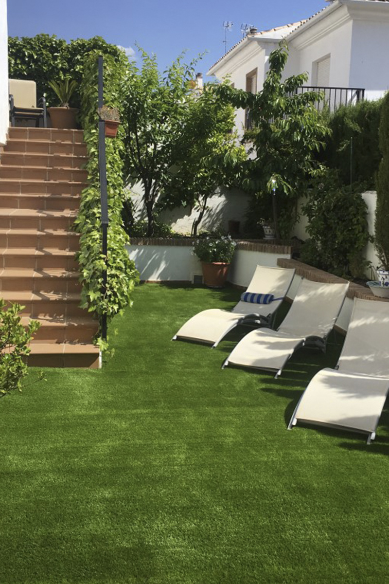 C sped artificial en jard n y terraza c sped artificial - Cesped artificial jardin ...