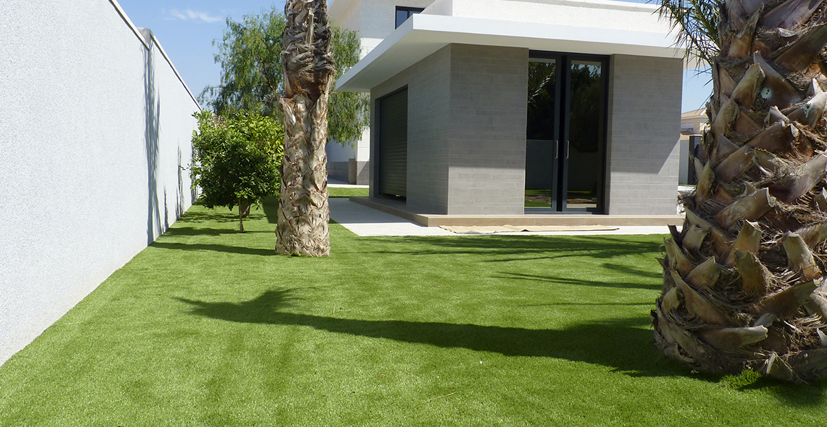 C sped artificial en jard n y terraza c sped artificial - Jardin cesped artificial ...